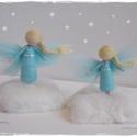 Karácsonyi Mini Angyalkák - tűnemezelt baba, dísz, függő, Otthon & lakás, Karácsony, Dekoráció, Ünnepi dekoráció, Karácsonyfadísz, Egy 8 és egy 9cm-es türkiz angyalka, állvánnyal. Egyedi darabszámban, állvány nélkül is kérhető. ..., Meska