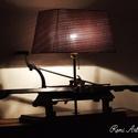 Régi kötőgépből készült asztali lámpa, Otthon, lakberendezés, Lámpa, Asztali lámpa, Hangulatlámpa, Meglátni a szépséget az apró részletekben ...  Van akinek ez régi kötőgép csak egy régi, h..., Meska