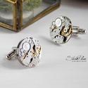 Sir Tristan LeBret - Mandzsetta ezüst színű alappal vagy foglalatban, Letisztult, mégis formabontóan izgalmas ez az ur...