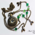 Tölgyerdő nyaklánc óra zöld gyöngyökkel + ajándék fülbevaló, Ékszer, óra, Nyaklánc, Karóra, óra, Ékszerkészítés, A természet ihlette ezt az ékszert, mely a Tölgyerdő fantázianevet viseli magán. Az óra fedelét töl..., Meska