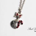 Csíkos macska ezüstben, Ékszer, Nyaklánc, Egy nyaklánc állatkedvelőknek. :)  Macska medálra ragasztottam piros és fekete strasszokat, val..., Meska