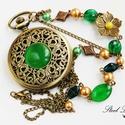Emerald Garden - smaragdzöld nyaklánc óra, Ékszer, óra, Karóra, óra, Nyaklánc, Ékszerkészítés, Emerald Garden, azaz smaragdzöld kert. Ezt a kellemes és sokatmondó nevet kapta ez a különleges óra..., Meska