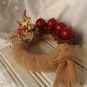 Adventi koszorú II., Dekoráció, Karácsonyi, adventi apróságok, Otthon, lakberendezés, Karácsonyi dekoráció, Gyertya-, mécseskészítés, Fehér-barna-bordó színek az otthon melegségét, biztonságát sugározzák. Töltse be a te otthonod ez a..., Meska