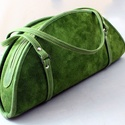 Zöldike bőr válltáska, Táska, Növényi cserzett marhabőrből készített, 1 rekeszes, 1 lapos zsebes, levehető vállpántos, du..., Meska