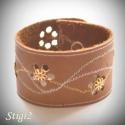 Egyedi barna virágos bőr karkötő, Saját, egyedi tervezésű karkötőimmel tavaszt ...
