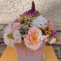 Tavaszi virágbox, Otthon & Lakás, Dekoráció, Asztaldísz, Virágkötés, Ehhez a virág boxhoz színátmenetes ,füles papírtartót választottam! Kellemes színű,elethű virágokka..., Meska