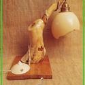 Öreg fák találkozásai a strucctojással #1 Fa éjjeli lámpa - újrahasznosított, távirányító, textil kábel, Otthon, lakberendezés, Lámpa, Hangulatlámpa, Asztali lámpa, Famegmunkálás, Újrahasznosított alapanyagból készült termékek, Letört juharfa ág és öreg akác deszka alapanyagokból készült. Nagy gondossággal csiszoltam és figye..., Meska