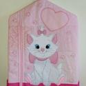 Marie cicás ovis zsák, A zsák alapja rózsaszín anyag, erre varrtam fil...