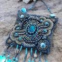 Sellő gyöngyhímzett nyaklánc, Ékszer, óra, Nyaklánc, Ékszerkészítés, Gyöngyfűzés, Egy kis nyarat idéző tengerillat ...  Igazán egyedi, divatos a kék csodás árnyalataiban ragyogó gyö..., Meska