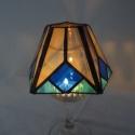 Tiffany lámpácska-mécsestartó, kékkel. (gyertyatartó, mécsestartó,  ajándék, dekoráció, lakberendezés), Dekoráció, Otthon, lakberendezés, Gyertya, mécses, gyertyatartó, Lámpa, Gyertya-, mécseskészítés, Üvegművészet, Saját terveim alapján létrehozott gyertyatartó. Utánozza a tiffany lámpát. Méretében sokkal kisebb ..., Meska