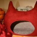 Cicaház / cicabarlang - nemezeléssel, kézzel készített házikó cicák részére