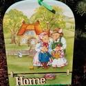 Tavaszi ajtótábla, Dekoráció, Otthon, lakberendezés, Dísz, Utcatábla, névtábla, 20,5*15,5 cm átmérőjű otthon feliratú ajtótábla, decoupage technikával készült, hogy a hoz..., Meska