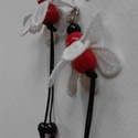 Fülbevaló csipkevirággal Fv - 0002, Ékszer, Fülbevaló, Gyöngyfűzés, Iparművész termék. Egyedi fülbevaló, különböző méretű  gyanta és üveggyöngyök, műanyag szál  és csi..., Meska