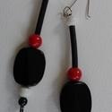 Robosztus  fülbevaló retro gyönggyel Fv - 0003, Ékszer, Fülbevaló, Gyöngyfűzés, Iparművész termék. Hatásos, mutatós fülbevaló  nagy, szokatlan alakú fekete gyanta gyöngy beépítésé..., Meska