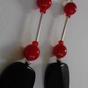 Piros -fekete fülbevaló retro gyönggyel Fv - 0004, Ékszer, Fülbevaló, Iparművész termék Piros, fekete Gyanta és üveg gyöngyök, fémgyöngy és fémrúd felhasznál..., Meska