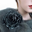 Nemezelt szürke rózsa bross , Ékszer, óra, Bross, kitűző, Nemezelés, Gyönyörű bross rózsa 100% gyapjúból, selyem használatával. Nuno feltig technikával készült. , Meska