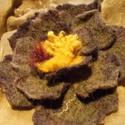 Egybenemezelt bross - virág kabátra, sálra, Ékszer, Bross, kitűző, Nemezelés, Gyönyörű bross virág 100% gyapjúból készült. Egybe van nemezelve /varrás nélkül/. Nagyon jól mutat ..., Meska