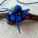 """Nemezelt nyakék """"Blue"""", Ékszer, óra, Nyaklánc, A nyakék 3 természetes anyagból áll: fa, gyapjú és bőr. Könnyű és mutatós., Meska"""