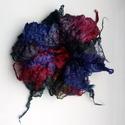 """Nemez bross-virág """" Margilan """", Ékszer, Bross, kitűző, Gyönyörű bross virág 100% gyapjúból készült, margilan selyem hozzáadásával. Egybe van nemezelve /var..., Meska"""