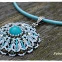 Türkiz Zena medál - gyöngyfűzéssel készült nyaklánc, A türkiz szín iránti rajongásom ismét medálb...