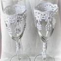 Csipkés vintage pohárszett, Esküvő, Esküvői dekoráció, Nászajándék, Csipkekészítés, Decoupage, transzfer és szalvétatechnika, Egyedi, kézzel készített esküvői  pezsgős pohár szett vintage stílusban.Sok apró strasszkővel  dísz..., Meska