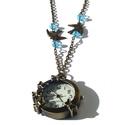 Pillangós ékszeróra, Ékszer, Karóra, óra, Nyaklánc, Medál, Pillangós ékszeróra kék kristálygyönggyel díszítve.  hossz:70 cm, Meska