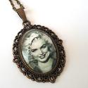 Marilyn Monroe, Ékszer, Medál, Nyaklánc, Gyűrű, Marilyn Monroe üveglencsés nyaklánc!  Méret üveglencse:20x25mm Nyaklánc hossz: méretre, Meska
