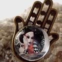 Pieró gyűrű, Ékszer, Medál, Gyűrű,  Pieró szó jelentése: a régi francia vígjátéknak egy sajátos jelmezü alakja (bő fehér zub..., Meska