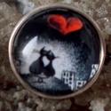 Szerelmes szívek cicás gyűrű, Ékszer, Gyűrű, Szerelmes szívek cicás üveglencsés gyűrű.  18mm üveglencse. méret állítható, Meska