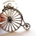 Vintage Velocipéd nyaklánc, Ékszer, Nyaklánc, Antikolt  ezüst színű, vagány  vintage velocipéd nyaklánc  a nyaklánc hossza 60cm  a medál m..., Meska
