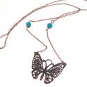 réz pillangó, Ékszer, Nyaklánc, Gyönyörű, réz színű pillangó nyaklánc, türkiz csiszolt üveggyöngyökkel.   A lánc hossza..., Meska