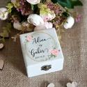 Kézzel festett, névvel és dátummal ellátott zöld leveles, greenery gyűrűtartó doboz esküvőre, egyedi felirattal, Esküvő, Gyűrűpárna, Esküvői dekoráció, Famegmunkálás, Festett tárgyak, Zöld leveles, greenery, kézzel festett, névvel és dátummal ellátott gyűrűtartó doboz esküvőre, aján..., Meska