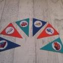 Zászlófüzér/bunting mosolygós járművekkel, gyerekszoba dekoráció, Gyerek & játék, Otthon & lakás, Gyerekszoba, Dekoráció, Mobildísz, függődísz, Mindenmás, Dekorgumiból és mintás filcből készült zászlófüzér/bunting, gyerekszoba dekoráció, melyen mosolygós..., Meska