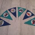Zászlófüzér/bunting járművekkel, gyerekszoba dekoráció, Gyerek & játék, Otthon & lakás, Gyerekszoba, Dekoráció, Mindenmás, Dekorgumiból és mintás filcből készült zászlófüzér/bunting, gyerekszoba dekoráció, melyen különböző..., Meska