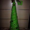 Papír Karácsonyfa Zöld, Dekoráció, Karácsonyi, adventi apróságok, Dísz, Ünnepi dekoráció, Fonás (csuhé, gyékény, stb.), Papírművészet, Papírfonással készült díszkarácsonyfa, zöld  alapszínben, terméssel.Magasság 30 cm.  A termék papír..., Meska