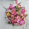 Ajtódísz a virág jegyében., Dekoráció, Anyák napja, Dísz, Minőségi élethű művirágból készült 30 cm átmérővel. Szívvel dekorálva., Meska
