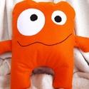 Orange Monster párna, Baba-mama-gyerek, Otthon, lakberendezés, Játék, Plüssállat, rongyjáték, Hímzés, Varrás, Bohókás, kancsal szörnyecske. Igazi színfolt lehet mindenki számára. Szintén polyfilcből készült. A..., Meska