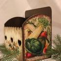 Szivecskés szakácskönyvtartó, Dekoráció, Otthon, lakberendezés, Dísz, Fából készített, lazúrozással, decoupage technikával kombinált szakácskönyv tartó, régi képeslapokka..., Meska
