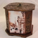 Sütis doboz, Nagy méretű 8 szög alakú fából készült dob...
