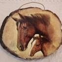 Kép, Otthon, lakberendezés, Falikép, Fa szeletre készített lovakat ábrázoló falra akasztható kép. Mérete: 18 x 14 cm  Kézműves termék. Ké..., Meska