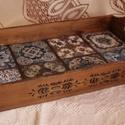 Csempe mintás fa tálca, Fából készült, csempe mintával, oldalain is d...