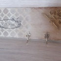 Táblácska-Kulcs akasztó, Bútor, Dekoráció, Otthon, lakberendezés, Tárolóeszköz, Famegmunkálás, Festett tárgyak, Egyedi készítésű, fa alapra festett, stencilezett és transzferált, struktúr pasztával dekorált akas..., Meska