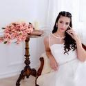 Aphrodité - menyasszonyi ruha, Esküvő, Menyasszonyi ruha, Ruha, Varrás, Menyasszonyi ruha.  Anyaga düsesz és tüll.  Beépített melltartós.  19 gomb díszíti a hátát.  Dereká..., Meska