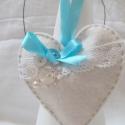 """Türkiz \""""OMA\"""" Illatos szív , Fehér filcből antik csipkével és antik gombokk..."""