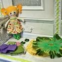 Mira textil baba - szettben , Játék, Baba, babaház, Plüssállat, rongyjáték, Baba játék, Varrás, Öltöztethető baba , a hajában lévő horgolt virágokat is le lehet gombolni . A szettben a következők..., Meska