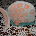Pöttyös hal, Dekoráció, Otthon, lakberendezés, Dísz, Asztaldísz, Kerámia, A rózsaszín pikkelyes, ezüstszürke hal 21 cm hosszú, 14 cm magas, legnagyobb szélessége 10 cm. Jól ..., Meska