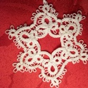 Frivolitas hópihe - karácsonyfadísz / ajándékkísérő, Dekoráció, Karácsonyi, adventi apróságok, Ünnepi dekoráció, Karácsonyi dekoráció, Hajócsipke hópihe  Szép dísze lehet a karácsonyfának, de ajándékkísérőnek is tökéletes...., Meska