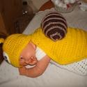Horgolt csiga jelmez babafotózásra, Ruha, divat, cipő, Gyerekruha, Kendő, sál, sapka, kesztyű, Horgolás, Vidám,horgolt csigajelmez 0-2 hónapos babák fotózásához. Puha akril fonalból készítettem,sapi 35-36..., Meska