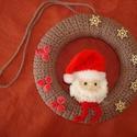Karácsonyi koszorú,ajtódísz,dekoráció, Dekoráció, Ünnepi dekoráció, Karácsonyi, adventi apróságok, Karácsonyi dekoráció, Horgolás, Saját tervezésű karácsonyi ajtódísz az ünnepi napokra. Behorgolt hungarocell karikát készítettem,me..., Meska