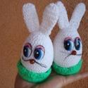Húsvéti tojásnyúl , Dekoráció, Ünnepi dekoráció, Húsvéti díszek, Vidám horgolt húsvéti dekoráció nem csak gyerekeknek. Alapja 8 cm hungarocell tojás,melyet  fehér fo..., Meska